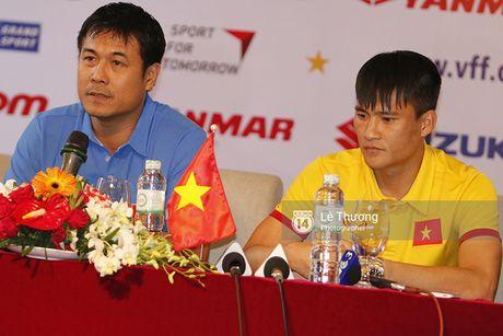 HLV Huu Thang he lo kha nang da chinh cua Cong Phuong o tran gap Trieu Tien - Anh 2