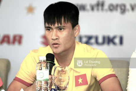 HLV Huu Thang he lo kha nang da chinh cua Cong Phuong o tran gap Trieu Tien - Anh 3