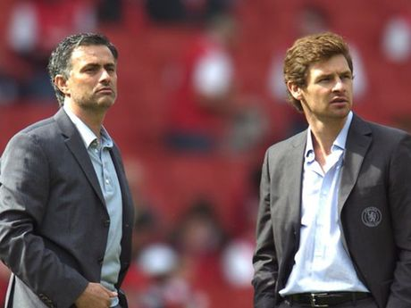 'Toi yeu va than tuong Mourinho' - Anh 1