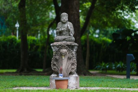 Kham pha toa nha Tong lanh su quan Phap o TP.HCM - Anh 13