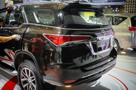 Chi tiet Toyota Fortuner 2017: Them nhieu cong nghe an toan - Anh 4