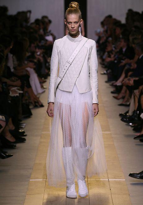 'Cu lot xac' ngoan muc cua Dior - Anh 19