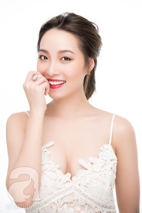 Trang diem nhe nhang voi mau son do ngot ngao hop huong sac dau thu - Anh 7