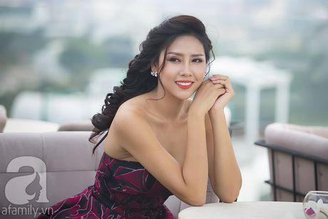 Nhan sac Viet Nam thi Miss Grand International khoe vai tran quyen ru - Anh 1