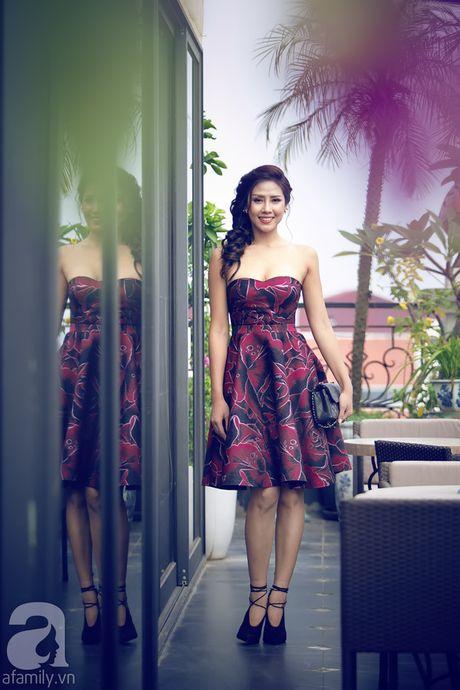 Nhan sac Viet Nam thi Miss Grand International khoe vai tran quyen ru - Anh 2