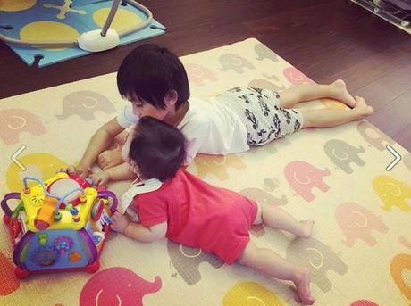Ngam khong biet chan 2 con trai song sinh cua Lam Chi Dinh - Anh 24