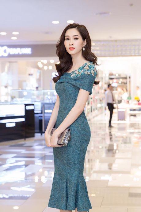 Hoa hau Thu Thao: 'Tay choi' hang hieu kin tieng cua Vbiz - Anh 12