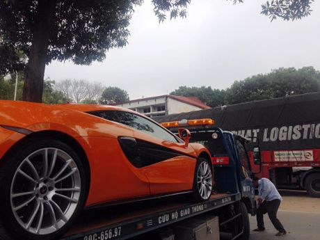 Chan pho phuong Ha thanh, McLaren 570S thu 2 tai Viet Nam duoc cho Nam tien - Anh 4