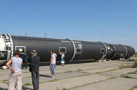 Kinh hoang: Ten lua dan dao Sarmat Nga ban xa 17.000km - Anh 2