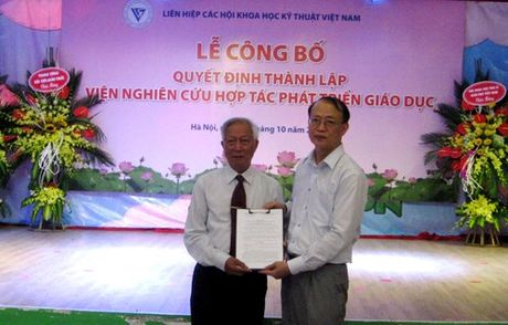 Cong bo Quyet dinh thanh lap Vien Nghien cuu phat trien giao duc - Anh 1