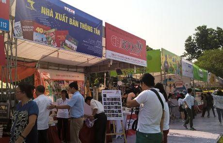 Ha Noi tung bung khai mac Hoi Sach - Anh 1