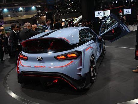 Ngan ngo truoc 5 mau xe dep nhat Trien lam Paris Motor Show 2016 - Anh 8