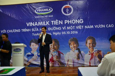 Vinamilk trao 11 ty dong cho cac tinh Tay Bac - Anh 4