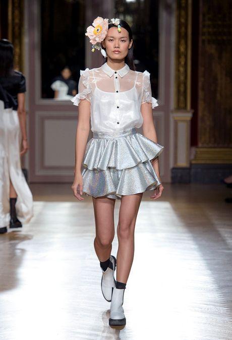 Thanh Thao Next Top sai buoc tren san dien Paris Fashion Week - Anh 7