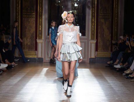 Thanh Thao Next Top sai buoc tren san dien Paris Fashion Week - Anh 8