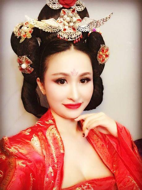 Vo Minh Nhua song nhu the nay ke tu khi duoc chong don ve tu san bay sau lan bo nha di - Anh 4