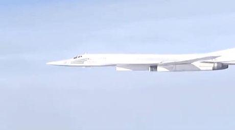 Bo truong Shoigu: Ten lua tam xa Kh-101 cua Nga thu nghiem tot o Syria - Anh 1