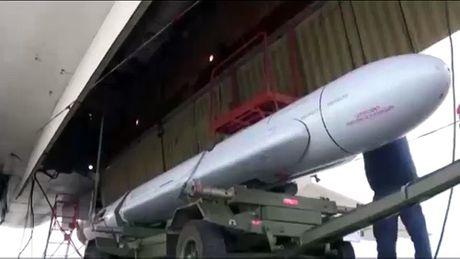 Bo truong Shoigu: Ten lua tam xa Kh-101 cua Nga thu nghiem tot o Syria - Anh 2