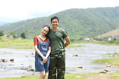 Angela Phuong Trinh hanh phuc nam tay 'nguoi tinh' Vo Canh - Anh 3
