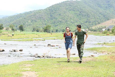 Angela Phuong Trinh hanh phuc nam tay 'nguoi tinh' Vo Canh - Anh 9