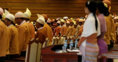 Myanmar bo luat 'bit mieng doi lap' - Anh 1