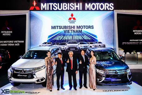 Mitsubishi Pajero Sport Premium hoan toan moi ra mat voi gia dat gap ruoi mau cu - Anh 2