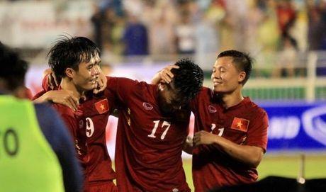 HLV Huu Thang: 'Bao chi dung dua cau thu len cao qua!' - Anh 1