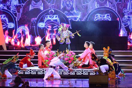 Xuan Hinh khien khan gia cuoi roi nuoc mat trong liveshow - Anh 3
