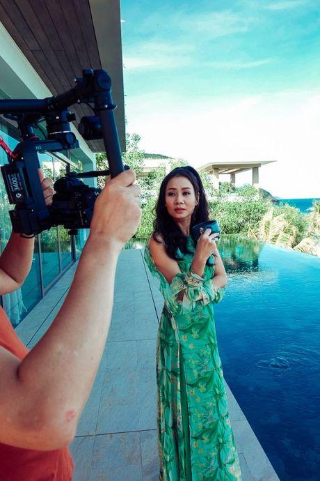 Nin tho suot 6 phut voi MV kinh di dau tien cua Thu Minh - Anh 12