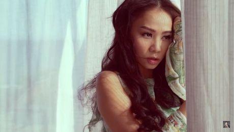 Nin tho suot 6 phut voi MV kinh di dau tien cua Thu Minh - Anh 5