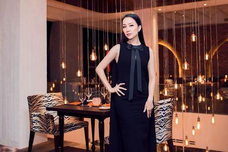 Thu Minh, Ha Ho dien style quy toc den chuc mung Linh Nga - Anh 12