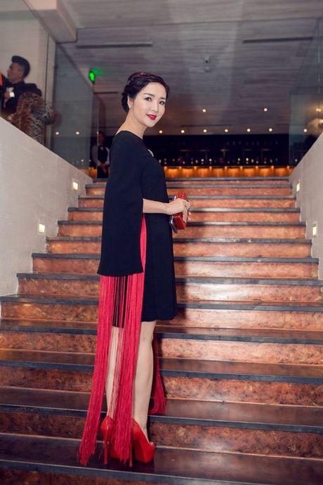 Thu Minh, Ha Ho dien style quy toc den chuc mung Linh Nga - Anh 18