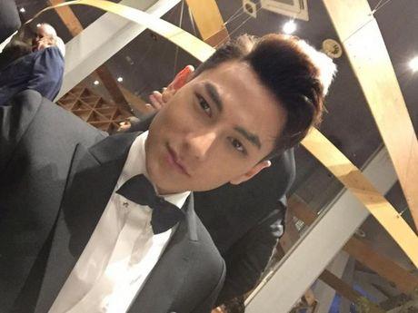 'Thai tu' Isaac dep trai hut hon giua dan sao Han tren tham do Lien hoan phim quoc te Busan - Anh 1