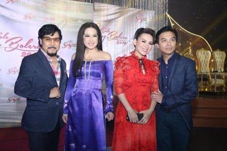 Phi Nhung khong tha 'chat chem' Manh Quynh du duoc cham soc tinh tu - Anh 2