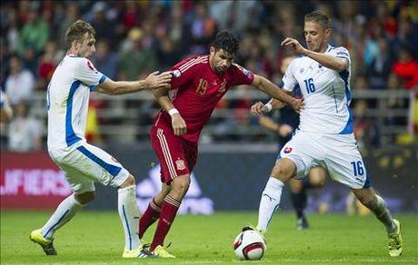 Diego Costa da chinh truoc Italia - Anh 2
