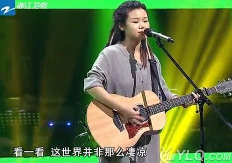 Clip sao nu Trung Quoc bi danh toi tap giua pho gay phan no - Anh 3
