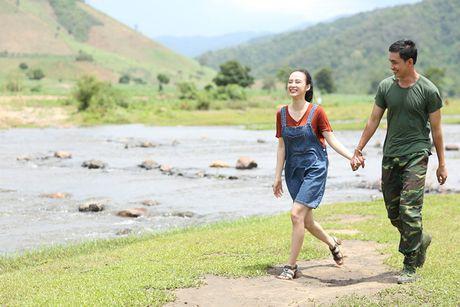 Angela Phuong Trinh hanh phuc nam tay 'nguoi tinh' Vo Canh - Anh 1