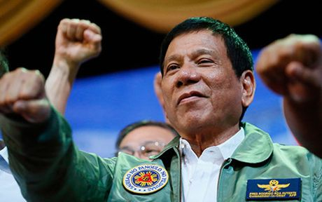 Ty le nguoi ung ho Tong thong Philippines Duterte tang cao - Anh 1