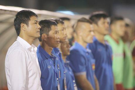 HLV Huu Thang: 'Lua cau thu HAGL la tuong lai bong da Viet' - Anh 1