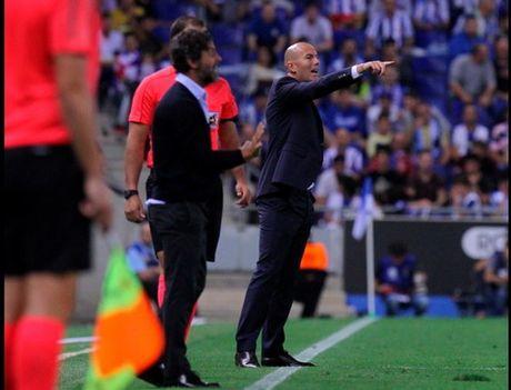 Zidane doi dien kha nang bi Real Madrid sa thai - Anh 1