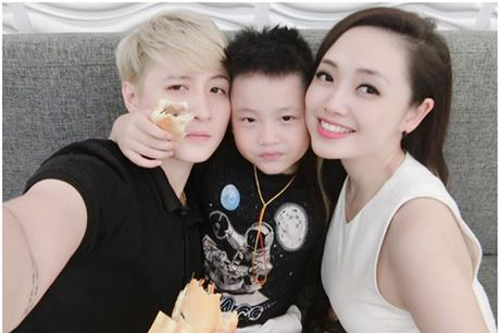 MC VTV xinh dep tiet lo cach nguoi tinh dong tinh day do con trai minh - Anh 10