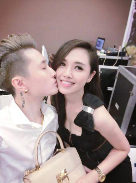 MC VTV xinh dep tiet lo cach nguoi tinh dong tinh day do con trai minh - Anh 3