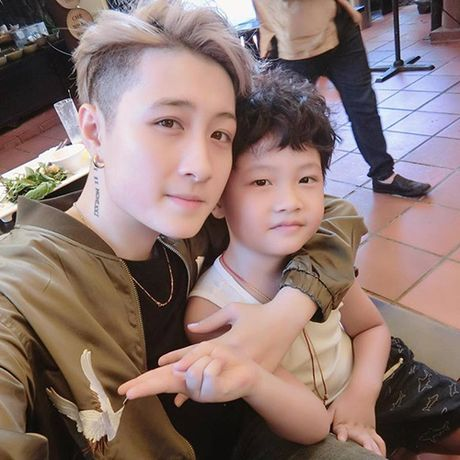 MC VTV xinh dep tiet lo cach nguoi tinh dong tinh day do con trai minh - Anh 7