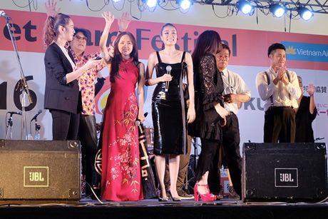 Phuong Ly gay an tuong khi mac ao dai duyen dang tai Nhat Ban - Anh 5