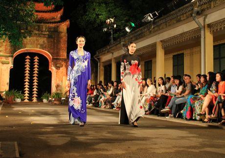Ngoc Han gay chu y voi BST moi tai Festival Ao dai Ha Noi 2016 - Anh 18