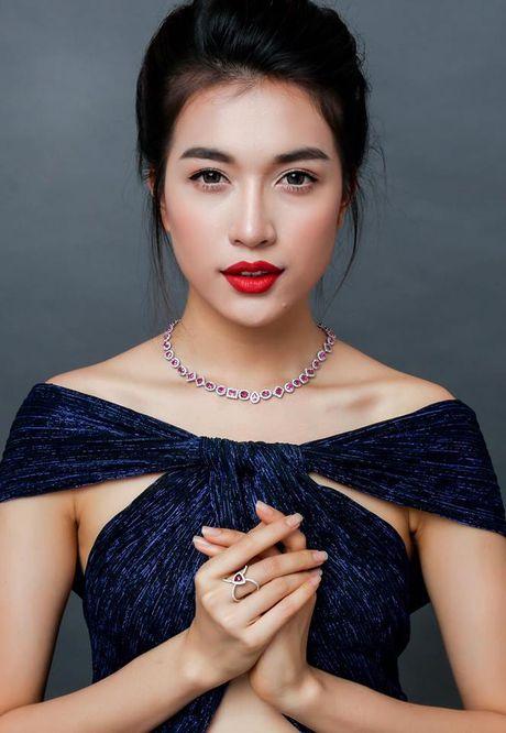 Ngam nhan sac nhung thi sinh 'dem chuong di danh xu nguoi' nam 2016 - Anh 11