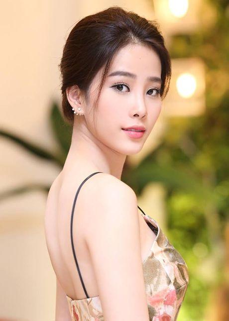 Ngam nhan sac nhung thi sinh 'dem chuong di danh xu nguoi' nam 2016 - Anh 3