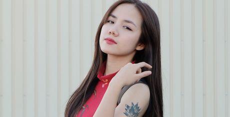 Em gai Phuong Linh ca tinh voi ao dai cach dieu - Anh 1