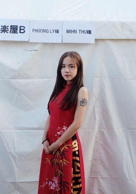 Em gai Phuong Linh ca tinh voi ao dai cach dieu - Anh 8