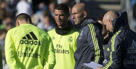 Cai tai cua Zidane: Hay bao duoc 'ong tre' Ronaldo - Anh 1